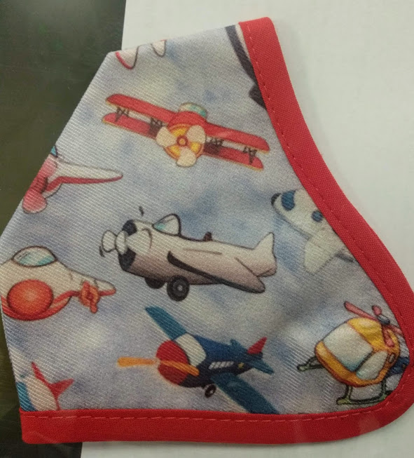 Mascarilla niño de aviones.